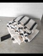 Zara nowy szalik paski czarno biały minimalizm