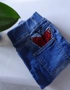 Spodnie jeansy wysoki stan high waist joggersy naszywki motyle dziury przetarcia S M