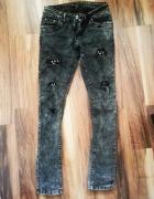 spodnie skinny marmurki z dziurami rurki czarne ćw