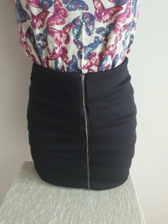 Spódnice mini spódnica S z zakładkami i zamkiem