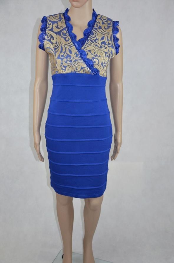 Kobaltowa sukienka ołówkowa