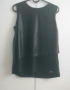 Czarna bluzka z ozdobną falbaną Mohito S
