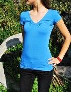 niebieska koszulka butik