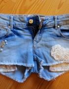 Śliczne jeansowe spodenki rozmiar M