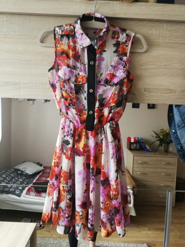 sukienka w kwiatki xs s