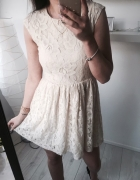 Pull&Bear koronkowa sukienka rozkloszowana M