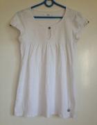 Koszulka biała ozdobny dekolt drapowania guziczki