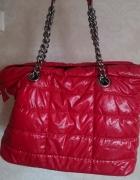 Czerwona torebka A4