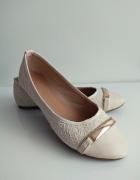 beżowe buty balerinki 40