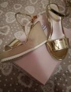 sandalki koturny 39 zlote beige