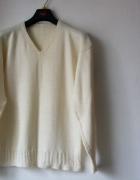 Biały wełniany sweterek R 40