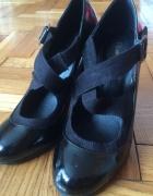 buty czarne z paskami