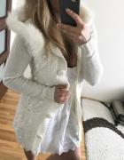 Stradivarius biały ciepły sweter futerko miś S...