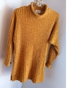 sweter długi w prązki oversize r uniwersalny S M L miodowy bursztynowy