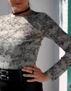 bluzka z wężowym motywem