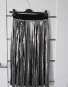 Nowa srebrna plisowana spódnica...