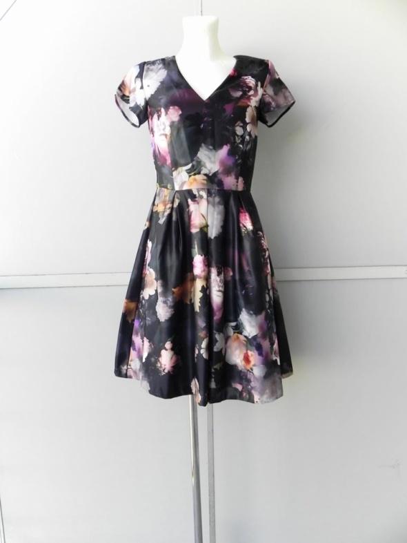 c389310b7e Suknie i sukienki KappAhl cudowna sukienka w kwiaty piankowa dekolt v  rozkloszowana 34 36