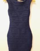 Granatowa dopasowana sukienka Lipsyco...