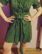 Sukienka w kratkę na guziczki z paskiem