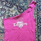 bluzeczka rozowa na ramie z nadrukiem