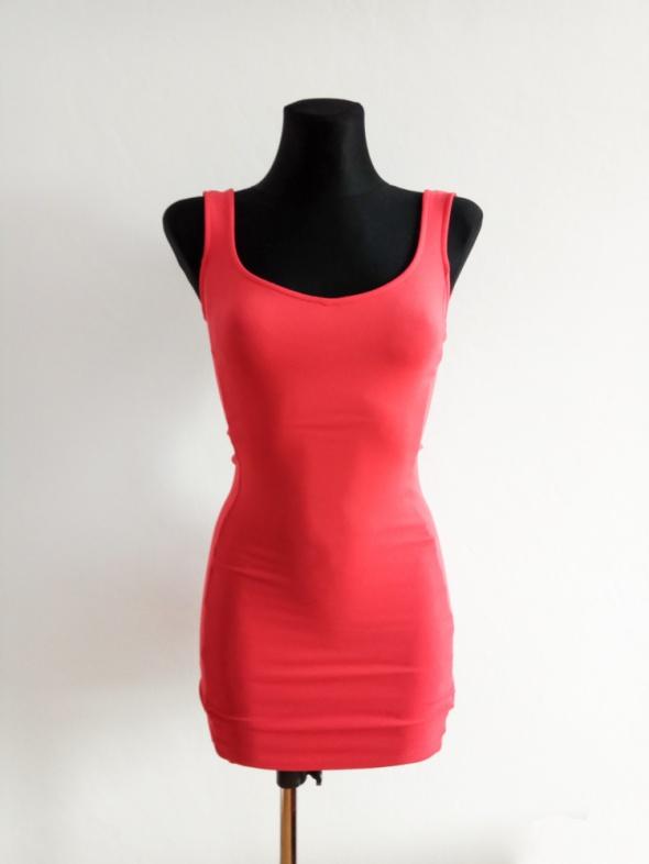 Mała Różowa Sukienka Bershka XS
