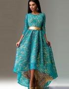 Suknia z koronki...