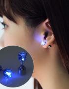 Kolczyk LED świecący niebieskie światło na imprezę...