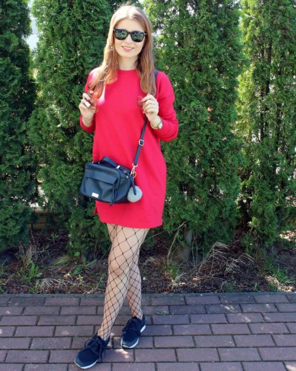 Czerwona sukienko bluza...