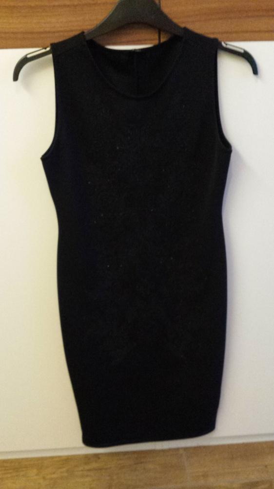 Sukienka czarna wieczorowa...