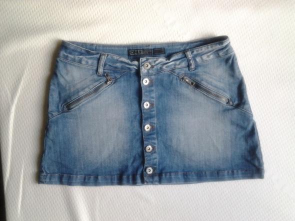 Spódnica jeansowa zapinana na guziki