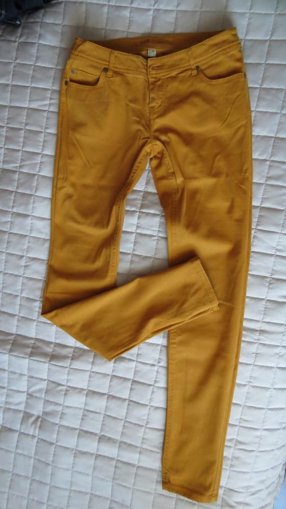 miodowe spodnie z C&A