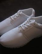 Białe adidasy różne rozmiary...