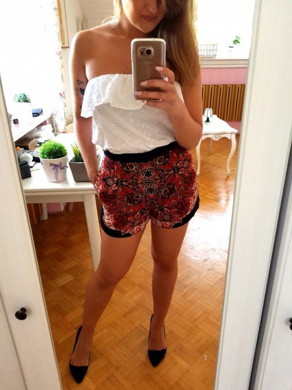 Mój styl kolorowe shorty