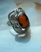 stary srebrny pierścionek rybki bursztyn