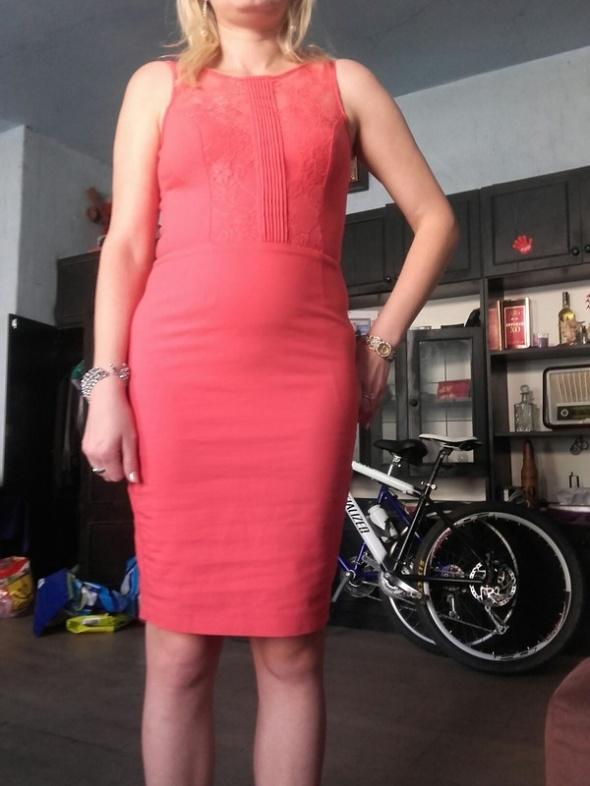 Sukienka koronkowa Mohito...