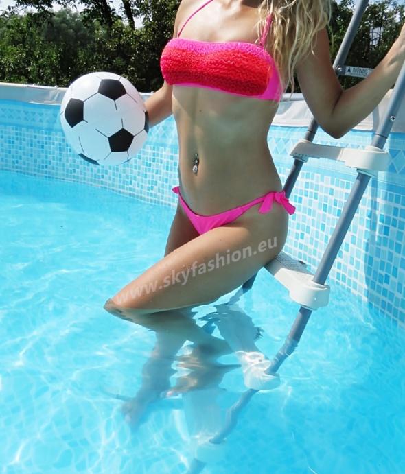 Neonowy strój kąpielowy
