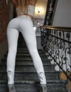 Świetne legginsy z kokardką i suwakiem