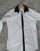 Biała koszula z kołnierzykiem czarne wstawki...