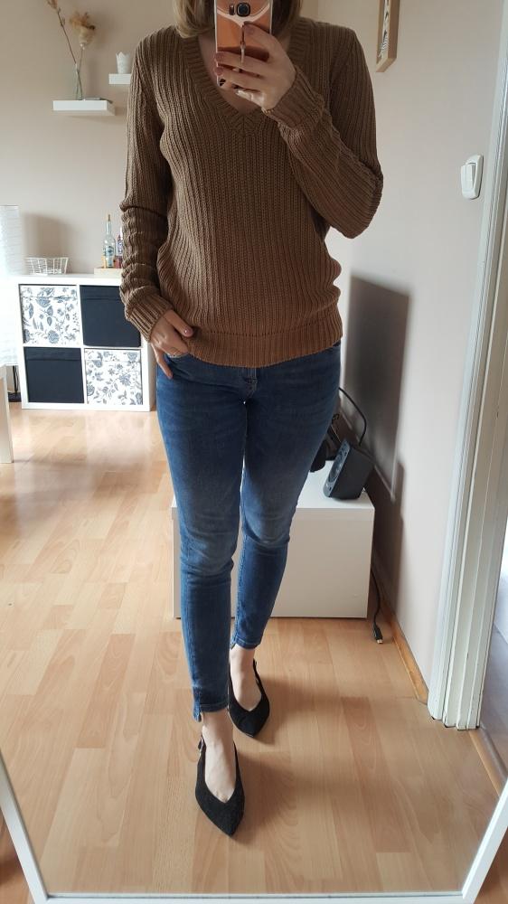 Swetry brązowy sweter z dekoltem w serek s m