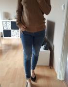 brązowy sweter z dekoltem w serek s m...