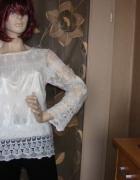 Śliczna biała bluzka długi rękaw na podszece