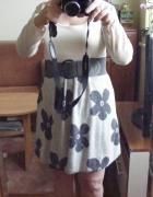 Sliczna dzianinowa sweterkowa sukienka