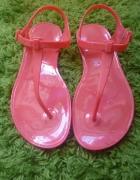 Różowe jelly sandałki