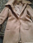 Elegancki nowy płaszcz