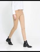 beżowe rurki Zara 36