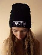 Czarna czapka beanie z napisem LOVER smerfetka