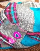 Urocza czapka z daszkiem...