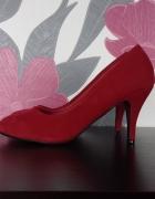 Nowe czerwone buty