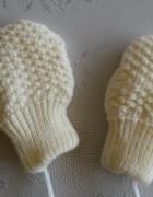 Ecru rękawiczki dla niemowlaka