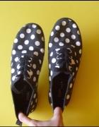 HIT czarne buty trampki w białe grochy